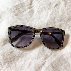 GAP leopard sunglasses